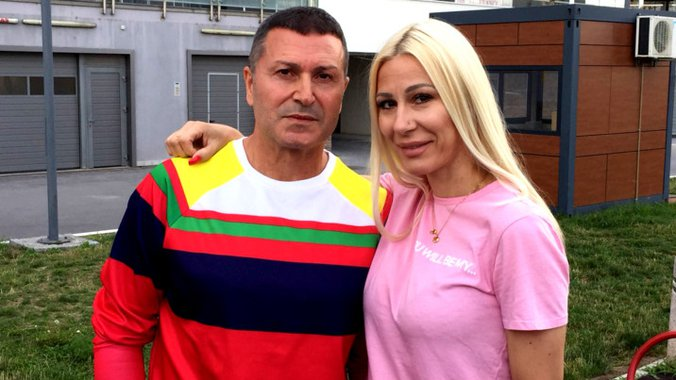 pink.rs | HAOS NA AERODROMU: Vesna i Đole Đogani se POSVAĐALI pred ljudima,  svi prisustvovali SKANDALU! (FOTO)