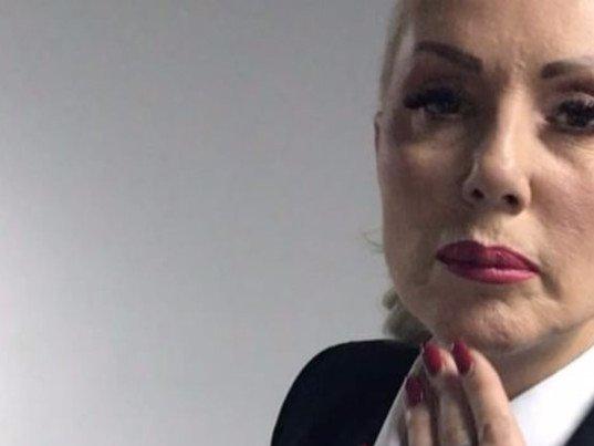 Pink Rs Sikter Brena Oterala Laneta Iz Svoje Kuce Glumac U Soku Foto