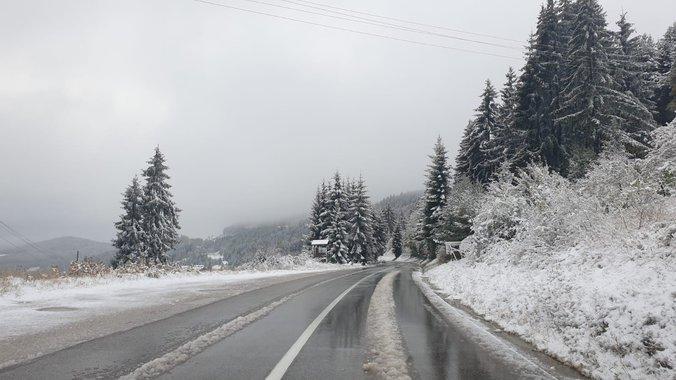 Укината забраната за камиони на премините Ѓавато и Стража и на патот Струга-Ќафасан